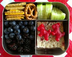 so many ideas on this site for bento-box type, healthy lunches on the go!