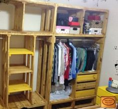Pallet Shelves Projects Recycled Pallet Furniture Ideas, DIY Pallet Projects - 99 Pallets - Part 3 - Furniture, Pallet Shelves, Diy Closet, Pallet Wardrobe, Pallet Closet, Closet Organization, Home Diy, Pallet Diy, Pallet Designs