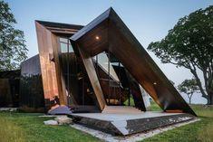 18.36.54 - Libeskind Daniel Libeskind, Wood Architecture, Chinese Architecture, Futuristic Architecture, Residential Architecture, Cabin In The Woods, Residential Complex, Waterfront Homes, Home Studio