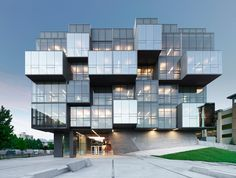 UBC Faculty of Pharmaceutical Sciences _ CDRD _ Saucier _ Perrotte Architectes_ Photo_ Marc Cramer _ Education Architecture, Facade Architecture, Vancouver Architecture, Office Building Architecture, Facade Design, House Design, Residential Building Design, Fachada Colonial, Glass Facades
