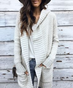 This super cozy cardi is coming to the blog soon! Shop it early with @liketoknow.it or on my LIKEtoKNOWit TAB on my blog. StylinByAylin.com.   http://liketk.it/2pAFQ #liketkit #Afstyle #Afpartner #comingsoon