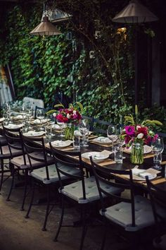 modern rustic wedding reception idea; photo: Kamila Harris Photography via SMP