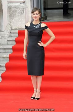 Marion Cotillard 'Two Days, One Night' - UK premiere at Somerset House http://www.icelebz.com/events/_two_days_one_night_-_uk_premiere_at_somerset_house/photo2.html
