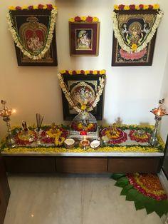 New flowers design frame beautiful Ideas Ethnic Home Decor, Indian Home Decor, Home Decor Furniture, Painted Furniture, Furniture Ideas, Temple Design, Altar Design, Design Design, Floral Design