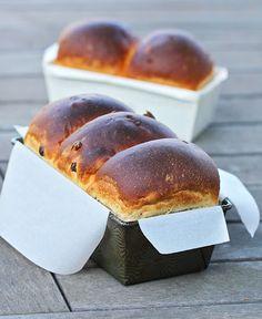 Pain Grenoblois (Grenoble Raisin - Nut Bread) @FoodBlogs