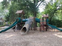 Get #kids back to #nature! The Community #School, 900 Lay Road in Ladue, MO, celebrated the grand opening of its nature-inspired playground on Aug. 23!