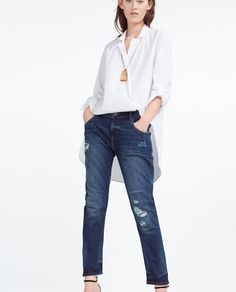 Image 2 of RELAXED FIT MID-RISE JEANS from Zara