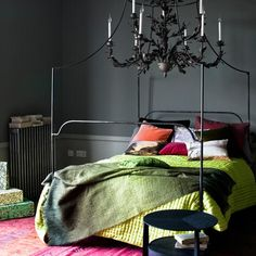 Decorating ideas for dark rooms. dark moody bedroom interior design with bright green and red accents Moody Bedroom, Interior, Dream Decor, Bedroom Interior, Cheap Home Decor, Bedroom Green, Home Decor, Modern Bedroom, Interior Design Bedroom