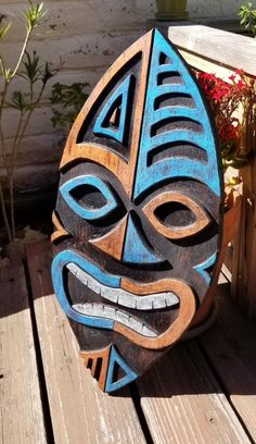 Tiki Art, Tiki Tiki, Wood Wall Design, Beach Scene Painting, Tiki Head, Tiki Totem, Tiki Decor, Pallet Wall Art, Wood Burning Crafts