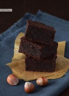The juiciest brownie is made without flour. Gluten-free recipe for # DayDBro . Gluten Free Desserts, Vegan Gluten Free, Gluten Free Recipes, Sweet Desserts, Sweet Recipes, Cheesecake Leger, Brownie Bar, Healthy Sweets, Brownie Recipes