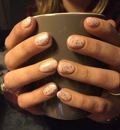 Happy new nails  #pink #nailfoil #nail #foil #gelpolish #nailart #naildesign #nailsoftoday