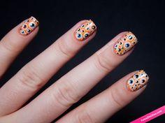 Uñas naranjas con ojos. #Ojos #Naranja #Uñas #Nails #Manicura #Cartoon