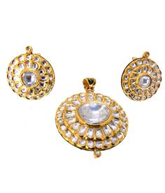 Jadau - Polki Necklaces - Jindels Gem and Jewellery Pictures Traditional Indian Jewellery, Indian Jewelry, Lockets, Jaipur, Necklace Set, Pocket Watch, Gems, Jewels, Earrings