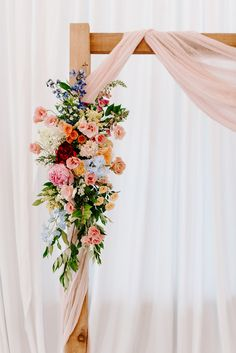 Floral Wedding, Wedding Colors, Wedding Styles, Wedding Flowers, Wildflowers Wedding, Boho Wedding, Wedding Ideas, Wedding Flower Arrangements, Wedding Bouquets