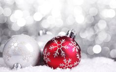 Christmas Tree Decorations : Christmas Baubles and Christmas Balls  1920*1200   Wallpaper 26