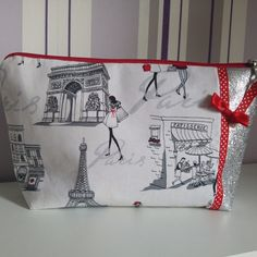 Pöchette maquillage girly parisiennes ruban vintage et noeud Creations, Vintage, Book Bags, Hair Bow, Tape, Amigos, Pouch Bag
