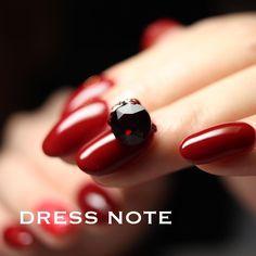 Dress Note逸崎レナRenaItsusakiさんはInstagramを利用しています:「. . 深めの赤をオーダーされる時は、この色を選ばれることが本当に多い。 #leafgel…」
