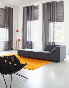 The living room color schemes to give the impression of more colorful living. Find pretty living room color scheme ideas that speak your personality. Home Curtains, Curtains Living, Modern Curtains, Curtains With Blinds, Curtains And Blinds Together, Brown Curtains, Modern Blinds, Sheer Curtains, Window Curtains