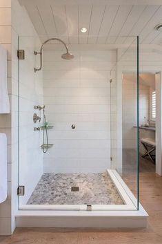 Rustic Farmhouse Master Bathroom Remodel Ideas (54)