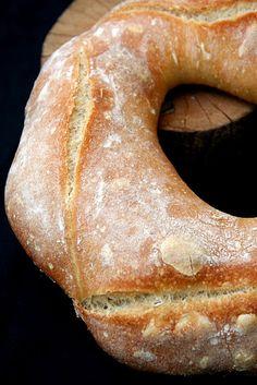 pain de campagne - http://sandrakavital.blogspot.com/2011/01/retour-aux-valeurs-sures-pain-de.html