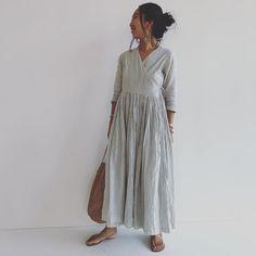 Makoto FukudaさんはInstagramを利用しています:「QUICOのカシュクールワンピース。パンツ派ですが、今年はよくワンピース着たなぁ。だって涼しいんですもの。#QUICO#素敵なお店#スタッフのみなさんがカッコ良い#大人#夏らしいワンピース#長袖だし秋も着るぞー」 Shirt Dress, Shirts, Instagram, Dresses, Fashion, Shirtdress, Gowns, Moda, La Mode