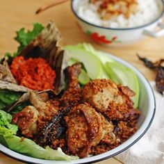Ayam Goreng Kremes (Indonesian Fried Chicken with Crunchy Flakes)