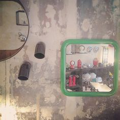 « Jeu de miroirs et jolies appliques d' #AlainRichard #modernariato » guzzini artemide disderot