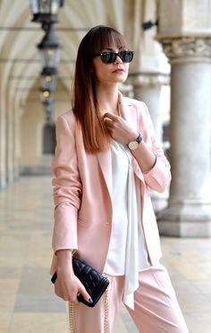 Lavend, Krakow, garnitur damski, pastele, Sukiennice, streetstyle, blogerki modowe z krakowa