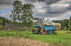 Combine Harvester, Agriculture, Childhood, Retro, House Styles, Vintage, Tractor, Tractors, Trucks