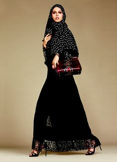 Pin for Later: Dolce & Gabbana Lance Sa Première Collection de Hijabs