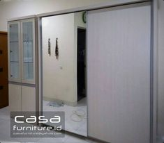 "413 Suka, 11 Komentar - KITCHEN SET,LEMARI MINIMALIS (@casafurniture.id) di Instagram: ""Lemari pakaian dan pajangan di Bintaro  #lemari #wardrobe #furniture #bintaro #tangerang…"" Kitchen Sets, Bathroom Medicine Cabinet, Locker Storage, Mirror, Interior, Instagram Posts, Furniture, Home Decor, Diy Kitchen Appliances"
