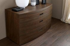 Camera da letto in vero legno 452 - dettaglio comò in legno Rex | Napol.it
