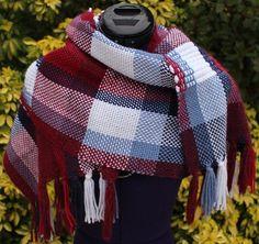 Étole écharpe tissée main en laine coloris bleu blanc rouge avec petites franges - Commande personnalisée https://www.alittlemarket.com/boutique/chaliere-2339933.html