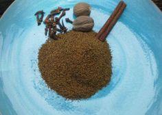 Garam Masala - Aromatic Kashmiri Spice Blend for Spicy Cooking! Photo by breezermom Coriander Spice, Coriander Seeds, Fennel Seeds, Spice Blends, Spice Mixes, Salsa, Homemade Seasonings, Masala Recipe, Seasoning Mixes