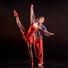 In the Upper Room Delia Mathews and Feargus Campbell photo Bill Cooper. Bill Cooper, Best Dance, Royal Ballet, Dance Pictures, Dance Costumes, Birmingham, Ballet Dance, Contemporary, Lighting