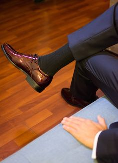 Derby de charol color vino tinto diseñados por Yorgo Stratouris. #shoes #yorgostratouris  #formalshoes