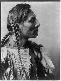 Spotted Bull--Mandan  ~ North Dakota tribe (1900-1910)