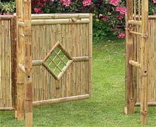 DIY bamboo fence. Personally think this should be placed at a beach, not on a lawn.