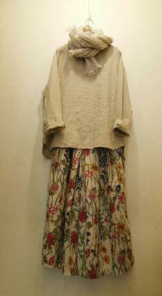 광장동꽃놓고수놓고ᆞ광장동옷가게 : 네이버 블로그 Hijab Fashion, Boho Fashion, Fashion Outfits, Japanese Street Fashion, Korean Fashion, Hijab Turban Style, Spring Outfits Women, Mom Dress, Japan Fashion