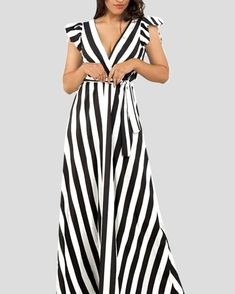 Maxi dress  www.capriccioshop.gr  2102636791 #instafollow #shop #capriccioshop #happy #best #style #follow #womanshop #dress #spordress #fashionshop #fashionista #maxidress #streetstyle #summercollection #summer #summermood #newcollection  #eshop #online #maxi #rige #mood