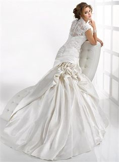 #capped sleeve wedding dress... Wedding ideas for brides, grooms, parents & planners ... https://itunes.apple.com/us/app/the-gold-wedding-planner/id498112599?ls=1=8 … plus how to organise an entire wedding, without overspending ♥ The Gold Wedding Planner iPhone App ♥