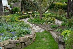 Garden without lawn ? - Page 6 - My beautiful garden forum - Garden without lawn ? – Page 6 – Garden practice – My beautiful garden online - Hillside Garden, Garden Trees, Lawn And Garden, Garden Paths, Spring Garden, Herb Garden, Landscaping With Rocks, Backyard Landscaping, Landscaping Ideas