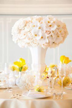 Centros de mesa para boda en verano: Dale un giro divertido al tradicional centro de mesa blanco