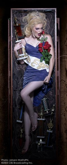 """Michelle Deighton, """"Pride"""" . America's Next Top Model, Cycle 4 >  Photo Shoot 7: 7 Deadly Sins in a graveyard [HQ]"""
