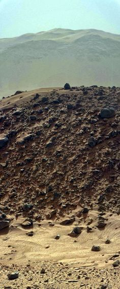 """Scene from Mars. Panorama of Curiosity images showing the the tallest part of """"Mount"""" Remarkable in the foreground with the considerably taller mountains of Gale Crater's rim in the background. Cosmos, Space Planets, Space And Astronomy, Mars Science Laboratory, Planets And Moons, Nature Landscape, E Mc2, Space Photos, Space Time"""