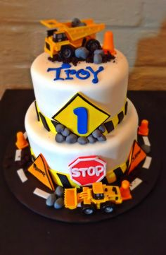 Construction cake...for my munchkin!