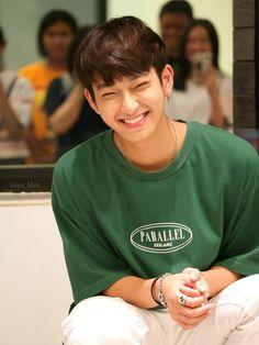 #ChimonWachirawit Handsome Actors, Cute Actors, Boyfriend Photos, Cute Gay Couples, Thai Drama, Asian Boys, Cute Guys, Actors & Actresses, Boyfriend Material
