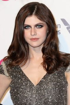 Alexandra Daddario Photos - Actress Alexandra Daddario attends the Annual Elton John AIDS Foundation's Oscar Viewing Party on February 2015 in West Hollywood, California. - Arrivals at the Elton John AIDS Foundation Oscars Viewing Party — Part 4 Alexandra Daddario Images, Elton John Aids Foundation, Sensual, Aphrodite, Beautiful Women, Beautiful Eyes, Hollywood, Actresses, Hair Styles