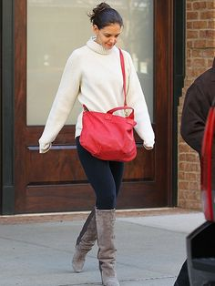 Celebrity Street Style, celeb street style, street style, celeb style, celebrity style, Katie Holmes, Katie Holmes street style, oversized sweater, black pants, skinny black pants, suede boots, knee-high suede boots