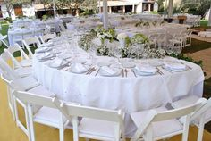 #martesdebodas Boda en blanco, mesa principal para toda la familia